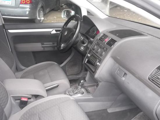 سيارة فولكس واجن 2010 مستعمله للبيع حاله ممتازة - تاريخ الاعلان 2014